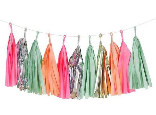 Tassels en colores pink, peach, mint, gold y silver diseñados por Talking Tables