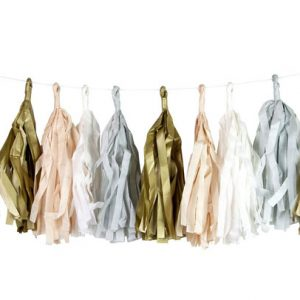 Tassels en colores gold, light pink, white and light blue diseñados por Talking Tables