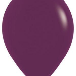 Globos de 30 centímetros, en color burdeos de la marca Sempertex