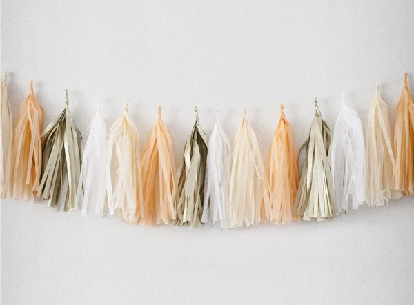 Tassels en colores platine, peche, champagne y blanc diseñados por Made With Lof