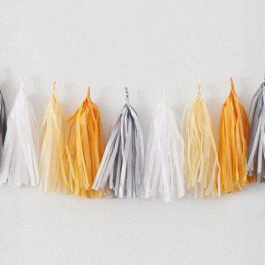 Tassels en colores blanc, safran, argent y vanille diseñados por Made With Lof