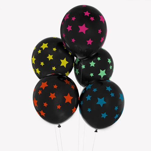 Globos de 32 centímetros en color negro con estrellas multicolor