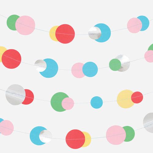 Guirnalda de 3 metros de papel con círculos multicolor, en tres tamaños diferentes, diseñada por My Little Day