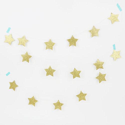 Guirnalda de 3 metros de papel brillante con 17 estrellas doradas diseñada por My Little Day