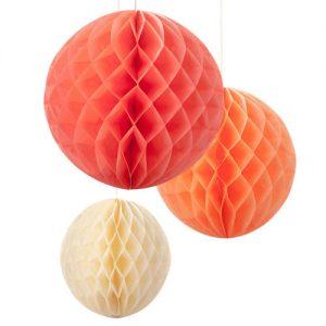 Kit de 3 Honeycombs o, bola nido de abeja, en colores cálidos, diseñados por Talking Tables.