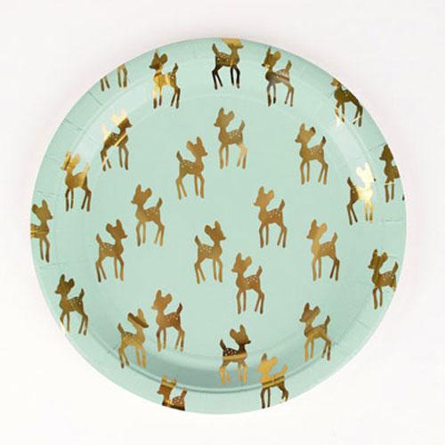 Platos verdes con ciervos dorados