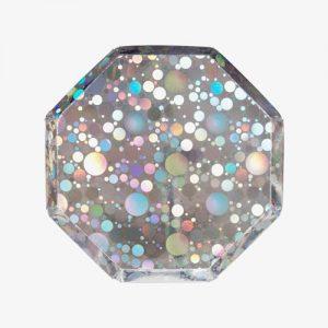 Plato octogonal, en iridiscente de 20 centímetros diseñado por Meri Meri