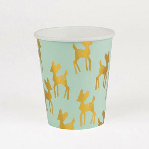 Vaso en color verde pastel con cervatillos dorados diseñados por My Little Day