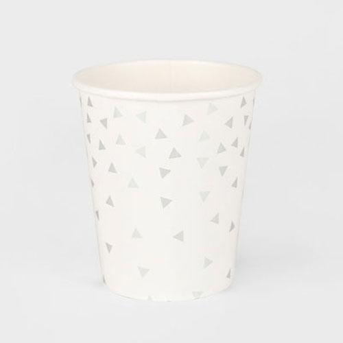 Vaso blanco con triángulos plateados diseñados por My Little Day