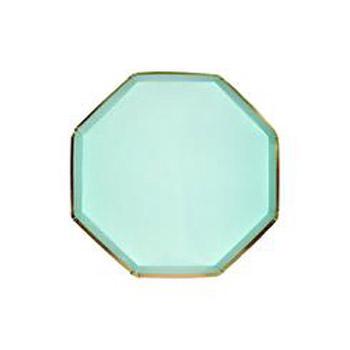 Platos de 16 centímetros en color verde con forma octogonal diseñados por Meri Meri