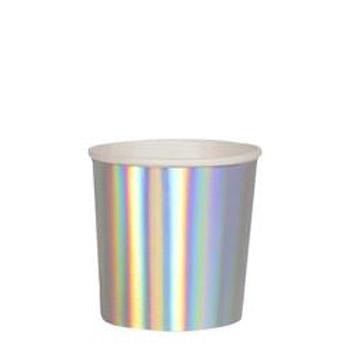 Vasos en color iridiscente diseñados por My Little Day