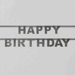 Guirnalda de letras plateadas formando la palabra Happy Birthday diseñada por My Little Day