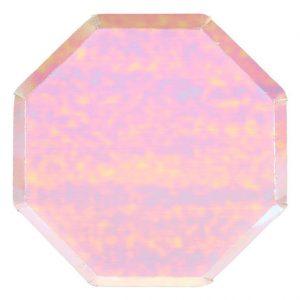 Platos de 26 centímetros en forma octogonal en color iridiscente rosado diseñados por Meri Meri