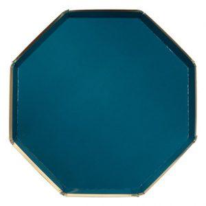 Platos de 26 centímetros en color verde en forma octogonal diseñados por Meri Meri