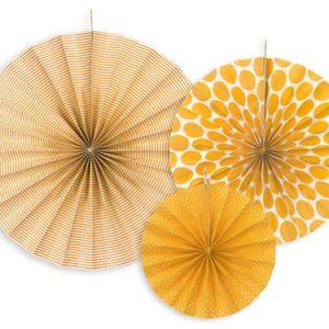 3 fans con estampados de diferentes tonalidades de naranja. Son ideales para colgarlos del techo o de un photocall, bodas, comuniones, fiestas de cumpleaños y fiestas primaverales