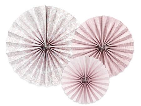 3 fans con estampados diferentes. Son ideales para colgarlos del techo o de un photocall, bodas, comuniones, fiestas de cumpleaños y fiestas primaverales.