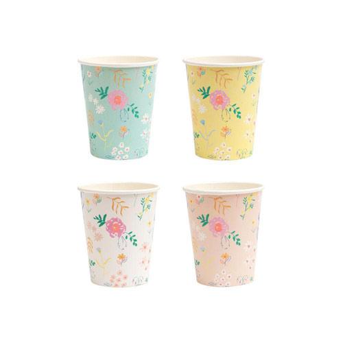 12 vasos en 4 tonalidades pastel con flores silvestres diseñados por Meri Meri.