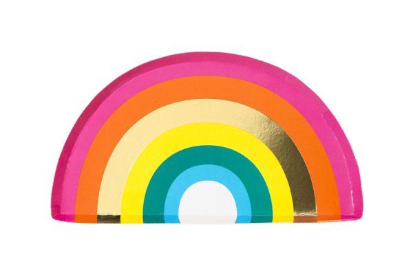 12 platos pequeños de cartón, en forma de arco iris muy alegres. Estos platos son ideales para fiestas o una merienda al aire libre.