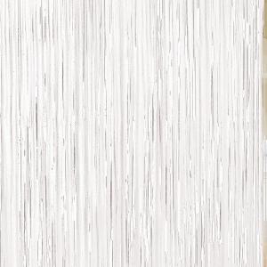Cortina en color blanca.Esta cortina permite crear divertidos espacios y darles un toque festivo.Se puede poner de fondo para crear un photocall.