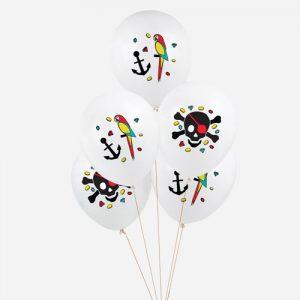 5 globos blancos de piratas, diseñados por My Little Day. Son ideales para un cumpleaños o fiestas de piratas. Tiene una capacidad de helio de 0,015m3.